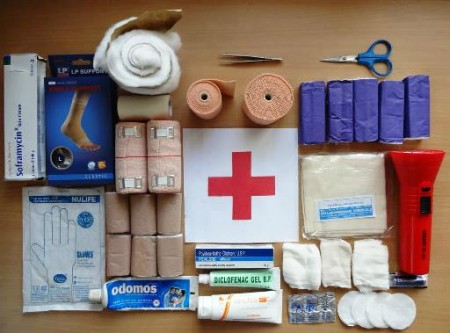 192-first aid kit-(1)